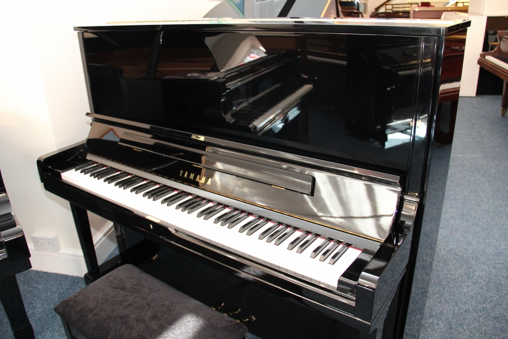 2009 yamaha yus3 used piano for sale yamaha pianos for for Used yamaha pianos for sale